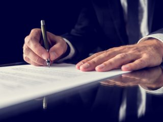 Thumbnail image to accompany the article: Apostille services in Canada